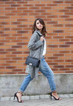 Boyfriend jeans + high heels + long jacket | Lovely Pepa