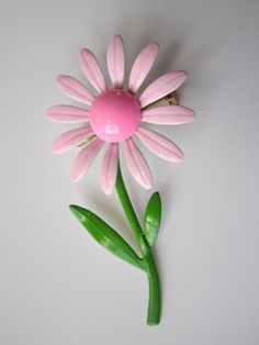 Pretty Pink and Green Vintage Enamel Daisy Brooch, 12.50 on etsy.