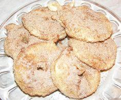 Mere in aluat cu scortisoara Snack Recipes, Snacks, No Cook Desserts, Deserts, Good Food, Chips, Bread, Cookies, Cake