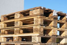 Wooden pallets to be replaced by recyclable plastic