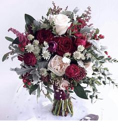 Spectacular bouquet of peonies and roses in fuchsia tones, garnets, roses and creams . - Spectacular bouquet of peonies and roses in fuchsia tones, garnets, roses and creams. Diy Bouquet Mariage, Flower Bouquet Diy, Diy Wedding Bouquet, Diy Wedding Flowers, Bride Bouquets, Floral Wedding, Diy Flowers, Trendy Wedding, Boquet