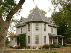 Interesting article about #homesteading and the Homesteading Act. Be sure to click on the link to show a copy of the original deed! Four generations of Wohlers have lived in the 106-year-old farmhouse.