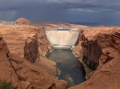 Glen Canyon Dam - starting point of smooth water rafting trips