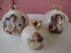 . Christmas Things, Christmas Bulbs, Christmas Crafts, Pomegranate, Decoupage, Diy And Crafts, Clay, Holiday Decor, Jewelry