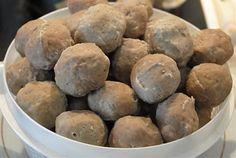 """Resep Membuat Bakso Sapi dan Bakso Urat Terenak Siapa sih yang ga suka """"Bakso""""? Hampir semua orang di dunia ini sangat menyukai makanan yang satu ini. Mulai dari anak kecil sampai orang dewasa sangat menyukai bakso. Daging bakso dibuat dari campuran daging giling dengan tepung tapioka. Daging bakso yang digunakan…"""