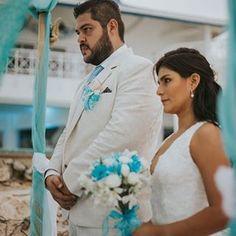 BODA EN SAN ANDRES #bodas #sanandres #bodadedestino #wedding #playa #amor #ido #matrimonio #mecaso #anillo #sai #diconflores #casarse Wedding Dresses, Getting Married, Floral Decorations, Weddings, Flowers, Bride Dresses, Bridal Gowns, Weeding Dresses, Wedding Dressses