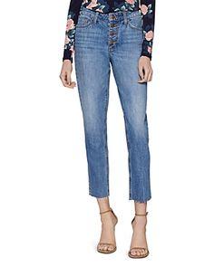 BCBGENERATION BENNY BOYFRIEND JEANS. #bcbgeneration #cloth Boyfriend Jeans, Mom Jeans, Fashion Over 40, Women Brands, Bcbgeneration, Old Women, Sweaters, Pants, Jeans Women