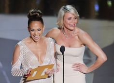 Cameron Diaz Photos - Presenters Jennifer Lopez (L) and Cameron Diaz speak onstage during the Annual Academy Awards held at the Hollywood & Highland Center on February 2012 in Hollywood, California. - Annual Academy Awards - Show Cameron Diaz, Kirk Cameron, Jennifer Lopez Fotos, Jennifer Lopez Dress, Anne Hathaway, Kristen Stewart, People News, Oscar Dresses, Oscar Winners