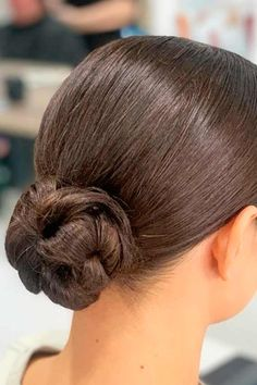 Chic Ballerina Bun ❤ Don't believe that you can get a stunning hair bun for short hair? See how many cool updos you can create! Your short locks are not an obstacle. #hairbunforshorthair #lovehairstyles #hair #hairstyles #haircuts