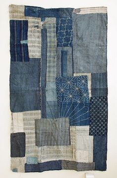 What a great denim patchwork quilt. Love the sashiko on some patches Blue Jean Quilts, Denim Patchwork, Denim Quilts, Patchwork Quilting, Patchwork Chair, Quilt Modernen, Denim Crafts, Jean Crafts, Japanese Textiles