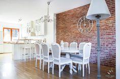 Salon prowansalski z aneksem kuchennym - Średnia otwarta jadalnia w salonie, styl prowansalski - zdjęcie od make again