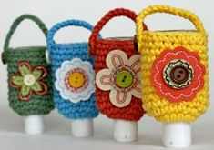 Hand Sanitizer Cozy With the cold and flu season still upon us, it's always a great idea to carry hand sanitizer around with you. And what a great way to carry it with a Hand Sanitizer Cozy. This is an easy crochet pattern you can work up in no time. Crochet Cozy, All Free Crochet, Easy Crochet Patterns, Crochet Gifts, Crochet Yarn, Crochet Flowers, Crochet Ideas, Crochet Teacher Gifts, Crochet Christmas Gifts