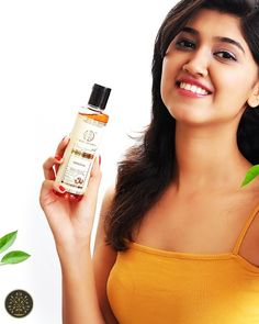 A perfect blend of satritha and other natural ingredients, this hair cleanser by khadi helps defeat dryness of hair easily. The healthy potion also promotes long and strong hair. Hair Cleanser, Strong Hair, Drink Bottles, Herbalism, Shampoo, Healthy, Natural, Herbal Medicine, Health