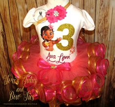 Baby Moana Birthday Outfit    Moana Birthday Outfit    Girls Birthay Outfit Colors, -Coral, Hot Pink, Gold You will received the top + tutu + matching elastic shabby flower headband. ~~~~~~~~~~~~~~~~~~~~~~~~~~~~~~~~~~~~~~~~~~~~~~~~~~~~~~~~ PLEASE LEAVE CHILDS NAME AND AGE IN