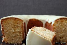"""Wenn ich einen """"großen"""" Kuchen gebacken habe und mehrere gute Esser kommen, mache ich gern noch einen kleineren dazu - deshalb dieser Orangenkranz! :-)"""