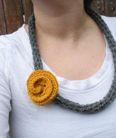 Carbone grigio lana uncinetto collana di luvbuzz