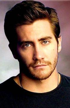 Jake Gyllenhaal<33333  HE IS MY HUSBAND!!!