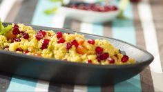 Salada de cuscuz com romã e maçã - Prato do Dia 2   24Kitchen Chefs, Couscous, Tapas, Macaroni And Cheese, Side Dishes, Vegetables, Ethnic Recipes, Drinks, Couscous Salad