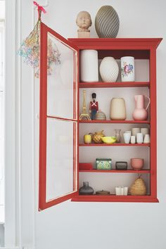 8 pieces of furniture and accessories for a tidy room! Cheap Shelves, Tidy Room, Interior Decorating, Interior Design, My New Room, Cheap Home Decor, Interior Inspiration, Home Remodeling, Decor Styles