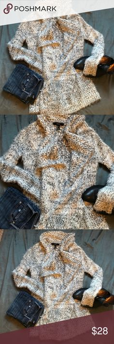 ARE YOU READY FOR WINTER ❄️🌨☃️ ARE YOU READY FOR WINTER ❄️🌨☃️ if you are looking for the most comfortable and warm sweater... this is it!!! Like new, and so pretty and super super soft! Forever 21 Sweaters