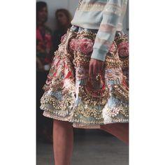 @marchesafashion  #fashion#hautecouture#style#elegant#details#embroidery#instafashion#trendy#fashionblogger#fashinista#marchesa#fashionable#dress#gown#designer#stylist#vogue#ootd#inspiration#FashionBlogger#FashionIndustry#FashionNews#NYFW#SocialMedia#stylish#catwalk#runway#model#glamour