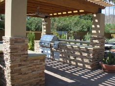 Cook in the sun's natural light or under the stars with an Arte Verde outdoor kitchen that will combine nature, relaxation and cooking in one environment for your Phoenix, Arizona home. Outdoor Living Rooms, Outdoor Spaces, Outdoor Decor, Outdoor Kitchens, Outdoor Bars, Outdoor Kitchen Countertops, Outdoor Entertaining, Outdoor Cooking, Outdoor Projects