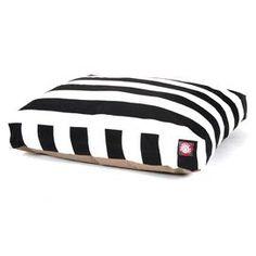 Mara Indoor/Outdoor Pet Bed in Black