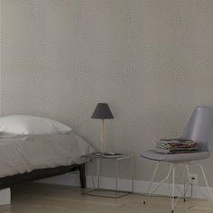 Cet intissé CERANA apportera une touche graphique à votre intérieur, le tout en simplicité grâce à son coloris ivoire.