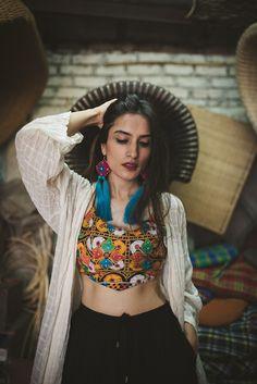 Garba Dress, Navratri Dress, Choli Dress, Ghagra Choli, Lengha Blouse Designs, Choli Designs, Kurta Designs, Indian Attire, Indian Outfits