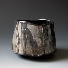 Japanese potter/artist/musician Akira Satake's website showcases his gallery of functional and sculptural ceramics and his music. Porcelain Jewelry, Porcelain Ceramics, Ceramic Bowls, Ceramic Art, Fine Porcelain, Ceramic Mugs, Raku Pottery, Slab Pottery, Pottery Bowls