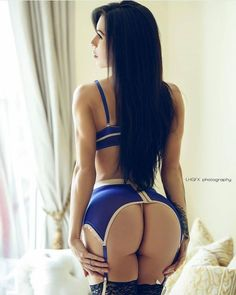 SQUAT BUTTS AND MUSCULAR DREAM WIFE GLUTES - September 09 2017 at 09:12PM : Health Exercise #Fitspiration #Fitspo FitFam - Crossfit Athletes - Muscle Girls on Instagram - #Motivational #Inspirational Physiques - Gym Workout and Training Pins by: CageCult