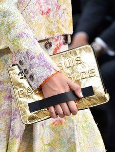 Gouden clutch @ Chanel s/s 2015