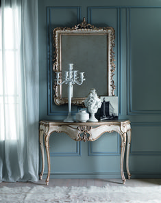 The Elegant Baroque Reproduction Italian Designer Console And Mirror is striking. Italian design at its finest, an elegant focus. Truly timeless, a st.S - Furniture French Furniture, Design Furniture, Luxury Furniture, Painted Furniture, Antique Furniture, New Classic Furniture, Laminate Furniture, Steel Furniture, Outdoor Furniture
