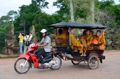 Siem Reap City is located in the Northwestern part of Cambodia and is home to the majestic Angkor Wat Temple. Cambodia Beaches, Us Travel Destinations, Phnom Penh, Beautiful Places In The World, Angkor Wat, Mexico Travel, Where To Go, Travel Guide, Bike Trailer