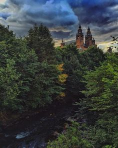 It's Why We <3 Glasgow Wednesday and this week we're sharing a beautiful snap of Kelvingrove Art Gallery & Museum and its surroundings from our fan Melissa!