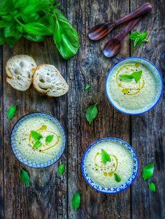 Recette soupe froide concombre et crème de coco Avocado Egg, Eggs, Healthy Recipes, Breakfast, Blender, Voici, Food, Cocktail, France