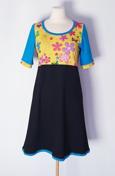 str.36 Short Sleeve Dresses, Dresses With Sleeves, Fashion, Outfit, Moda, La Mode, Gowns With Sleeves, Fasion, Fashion Models