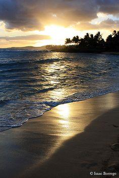 ~~Sunset on Poipu Beach - Kauai, Hawaii by isaac.borrego~~