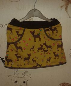 Yellow brown autumn bambi skirt with pouches. #cute!