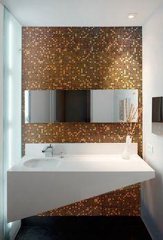 Glass mosaics, floors and coatings handmade in Italy: Brecci by Eidos Glass Glass mosaics, floors an Modern Luxury Bathroom, Mosaic Glass, Bathroom Decor Luxury, Contemporary Toilets, Simple Bathroom Decor, Diy Bathroom Decor, Concrete Bathroom, Mosaic Bathroom, Bathroom Design