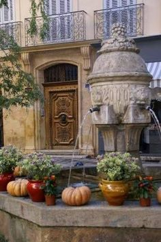 French Country Inspired Heirloom Pumpkins Display La Provence France, Aix En Provence, Provence Style, Belle France, Le Sud, Wonderful Places, Beautiful Places, Bouche Du Rhone, Le Moulin
