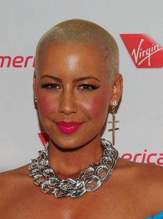 """Everything about Amber Rose's rosy cheeks & lips is a """"Do."""""""