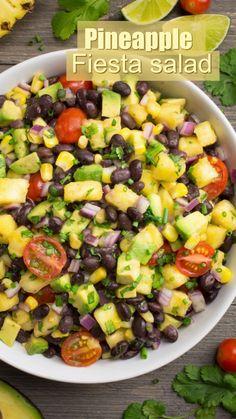 Pineapple Fiesta Salad - My Website 2020 Salad Recipes, Vegan Recipes, Cooking Recipes, Pineapple Recipes Vegan, Fiesta Salad, Pineapple Salad, Easy Summer Salads, Breakfast Desayunos, Homemade Soup