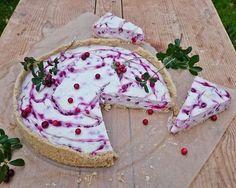 Vegaaninen puolukka-kookosjuustokakku Rhubarb Pie, Vegan Cheesecake, Some Recipe, Margarita, Camembert Cheese, Biscuits, Frozen, Coconut, Biscotti