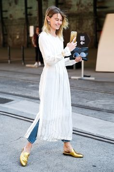 73 Styling Hacks to Steal From the Street Style Down Under Best Australia Fashion Week Street Style 2016 Look Street Style, Street Style 2016, Street Chic, Street Styles, Street Style Fashion, Street Wear, Modest Fashion, Trendy Fashion, Fashion Outfits