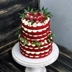 Moist Red Velvet Cake From Scratch Cupcakes Red Velvet, Red Velvet Wedding Cake, Red Velvet Cake Roll, Red Velvet Birthday Cake, Food Cakes, Cupcake Cakes, Pretty Cakes, Beautiful Cakes, Amazing Cakes
