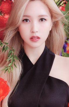 Kpop Girl Groups, Korean Girl Groups, Kpop Girls, South Korean Girls, Nayeon, Photo Scan, Twice Album, Twice Dahyun, Twice Kpop