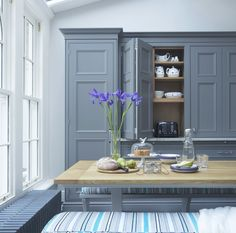 Chelsea - traditional - Dining Room - London - Lewis Alderson & Co Blue Kitchen Cupboards, Aga Kitchen, Hall Cupboard, Pantry Inspiration, Kitchen Nightmares, English Interior, Bedroom Wall Colors, Kitchen Colour Schemes, Room Planning