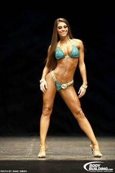 Female Form #StrongIsBeautiful #Motivation #WomenLift2 Lacey DeLuca