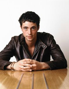 Matthew Goode....yeeah i love me some irish men:) ermagerd I've been wanting to watch Leap Year lately lol ~M